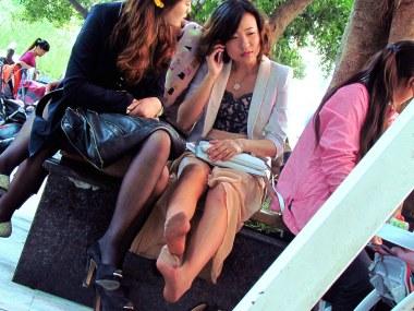 [权限要求: 半年期VIP以上]  参赛+jim2+第8贴+漂亮的长腿 肉 丝  美 女 (18P) 街拍第一站全网原创独发!