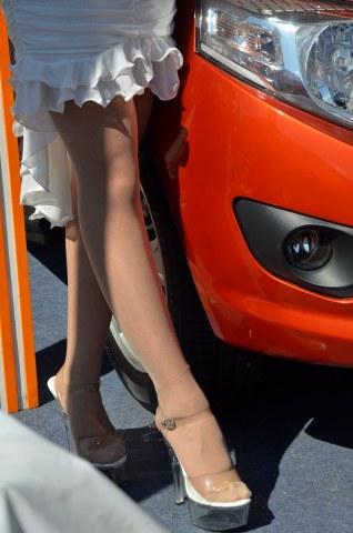 [权限要求: 三年期VIP以上]  车模们就是美女[7P] 街拍第一站全网原创独发!