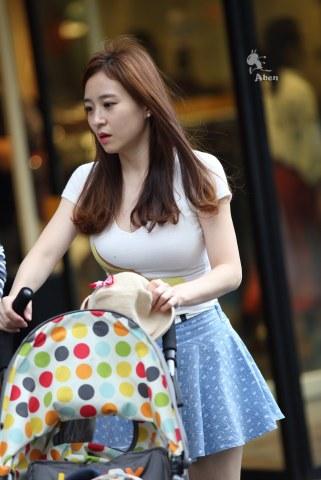 [权限要求:两年期VIP以上]  (助兴)阿奔.2014.9.20.蓝裙T恤.10p 街拍第一站全网原创独发!