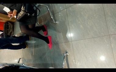 dangling002视频  成熟美女街拍黑丝美腿诱惑玫红小单鞋,值得一看!【dangling精品街拍视频】 街拍第一站全网原创独发!