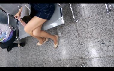 dangling002视频  裸足诱惑挑鞋,大腿很诱惑,值得一看!【dangling精品街拍街拍视频】 街拍第一站全网原创独发!