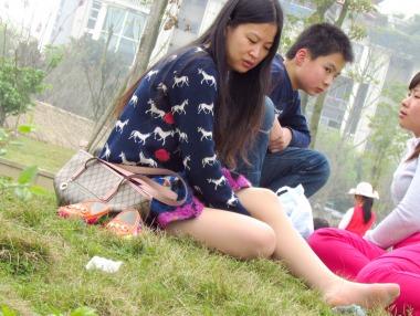 【jim2作品】漂亮的草地 肉 丝    美 女 【14P】 - 街拍图片发布- 街拍第一站