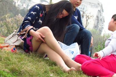 【jim2作品】漂亮的草地 肉 丝    美 女 【14P】
