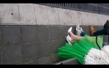 dangling002视频  诱惑绿裙美女微挑白色街拍高跟,4分超长拍摄!【dangling精品街拍视频】 街拍第一站全网原创独发!