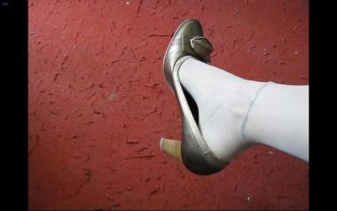 dangling002视频  肉丝街拍美足在高跟鞋里用力扒动玩鞋,声音明显!【Dangling超精品】 街拍第一站全网原创独发!