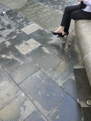 dangling002视频  街拍诱惑裸足街拍高跟挑鞋,值得一看! 街拍第一站全网原创独发!
