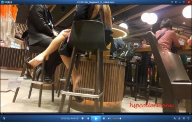 HSP丝袜视频  【HSP's video 1080P】吧台下玩鞋挑鞋的裸足职业装街拍美女[06:30] 街拍第一站全网原创独发!