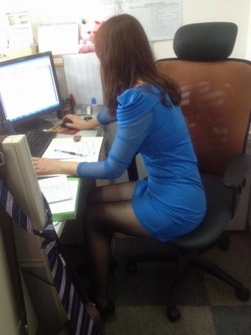 徐香视频  街拍丝袜美腿女同事+地铁上 街拍第一站全网原创独发!