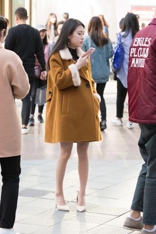 俊风摄影+重庆阳春3月第30贴+18P 诱惑美腿小街拍美女