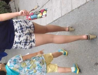 徐香视频  极品丝袜街拍美腿少妇接孩子 街拍第一站全网原创独发!