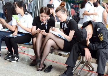 [权限要求:一年期VIP以上]  【jim2】两位黑丝街拍长腿美女(20p) 街拍第一站全网原创独发!