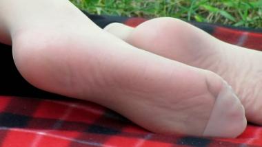 applejuice视频  applejuice原创作品 街拍少妇躺在地铺上晾出倩细肉丝脚(1280×720 455MB) 街拍第一站全网原创独发!