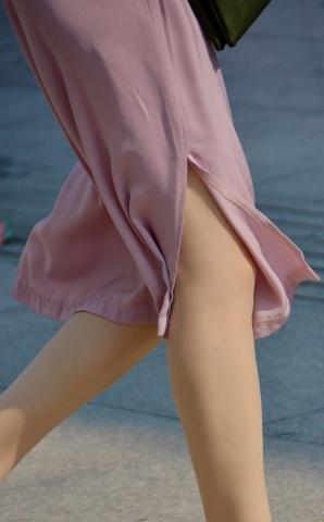 充满街拍女人味儿的紫裙肉丝【10P】