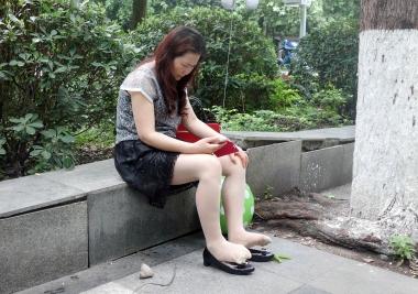 【jim2】黑裙街拍肉丝熟妇(12p)