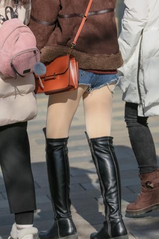 送给只对丝袜和街拍热裤精细度追求极致细腻度的朋友,