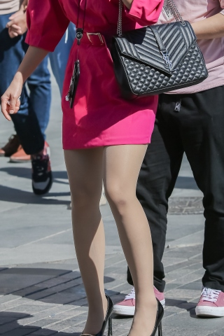 肉丝高跟时尚街拍美女人道中年走时尚
