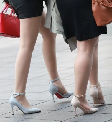 【珏一笑而过】2个肉丝街拍高跟鞋