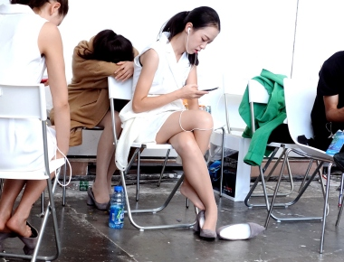 【jim2】漂亮的街拍长腿肉丝美女(12p)