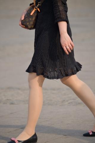 黑裙-街拍丝袜第一站
