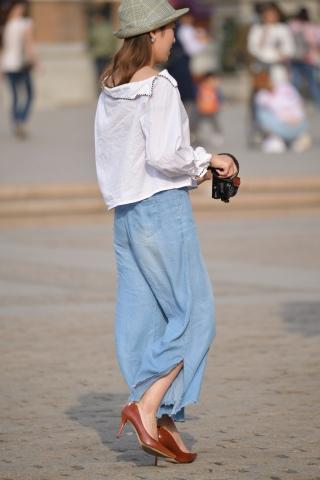 街拍高跟 草帽 高跟 街拍美女图片发布 街拍丝袜第一站