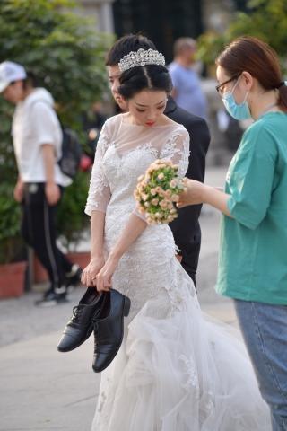 街拍美女 婚纱 美女 街拍美女图片发布 街拍丝袜第一站