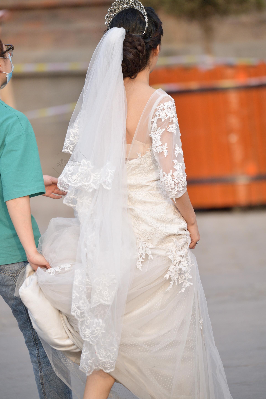 街拍美女 婚紗 美女 街拍美女圖片發布 街拍絲襪第一站
