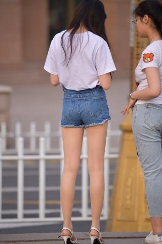 短裤长腿 肉丝袜