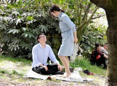 【jim2】草地上牛仔裙街拍肉丝袜袜美女(16p)