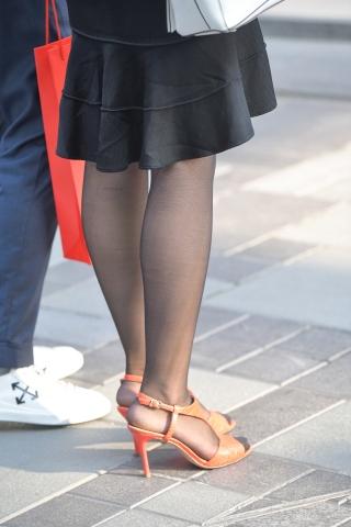 街拍套图超市(招聘原创)  黑丝高跟街拍美女的高温天漫步 街拍第一站全网原创独发!