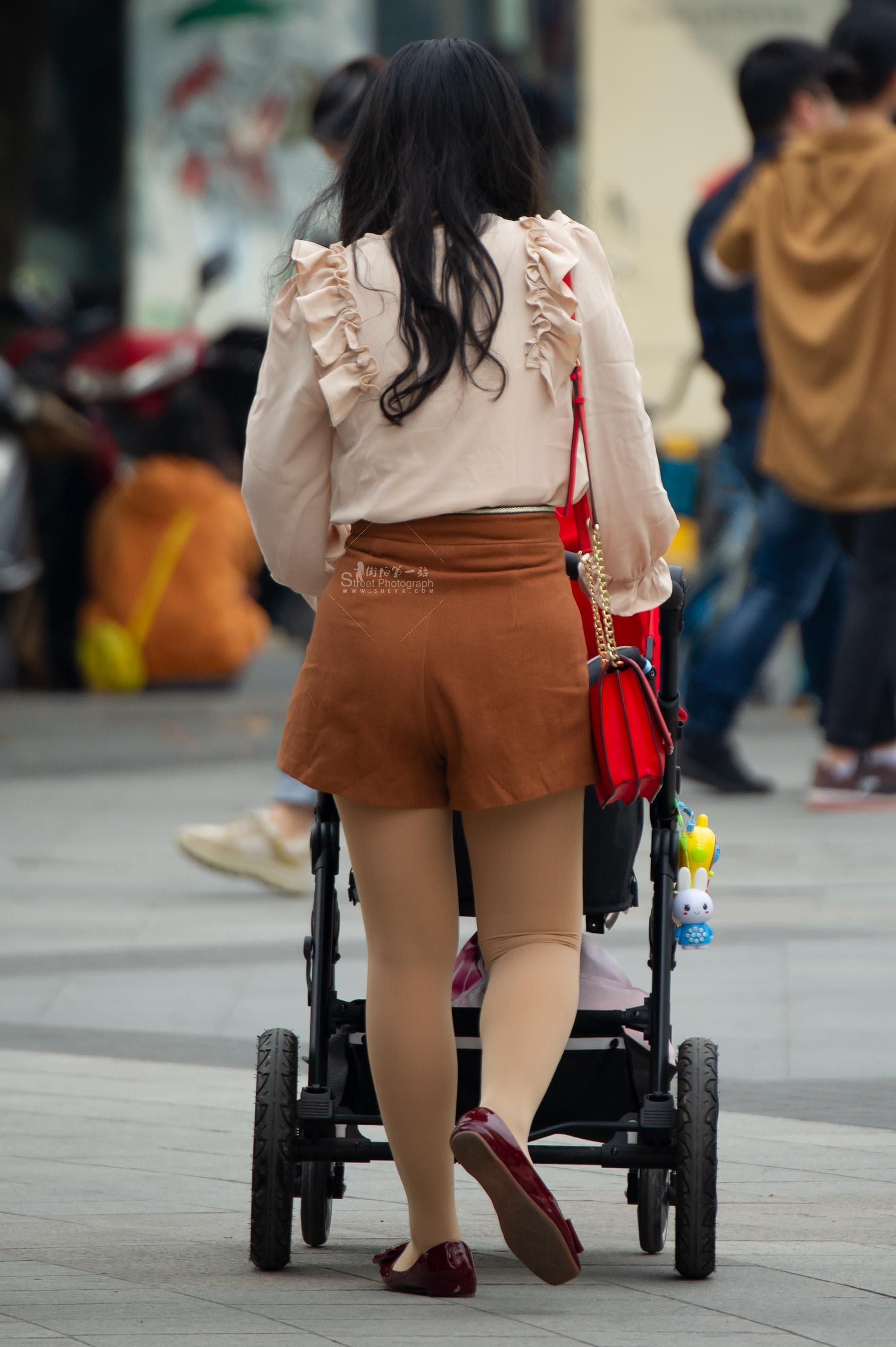 【原创】 丝袜平底鞋嫩妈【10P】