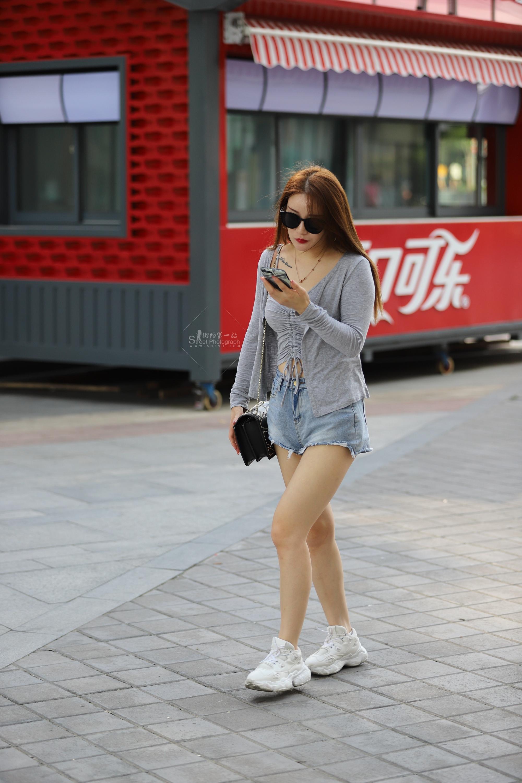 长腿 热裤墨镜小姐姐(15p)