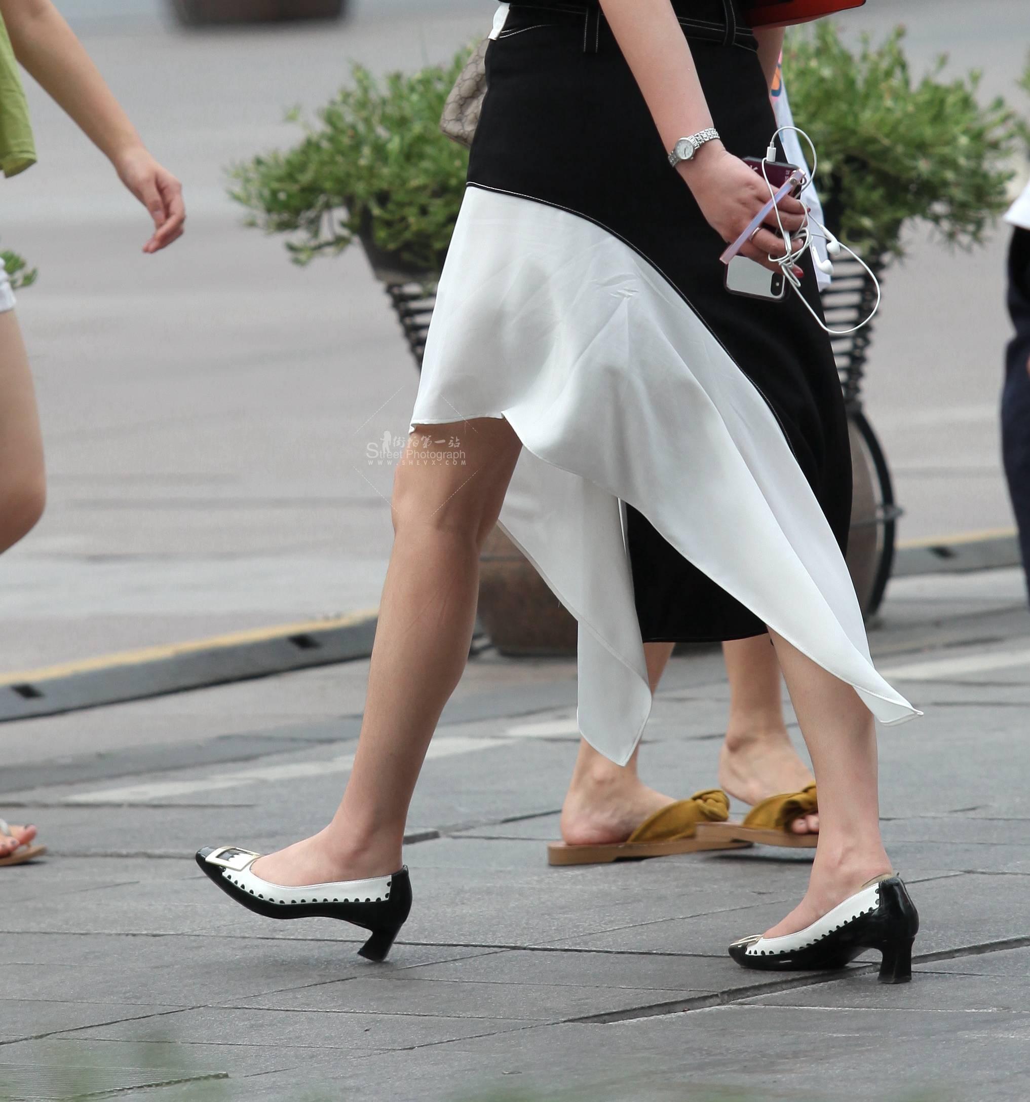 街拍高跟 【珏一笑而过】气质 高跟Shao Fu 最新街拍丝袜图片 街拍丝袜第一站