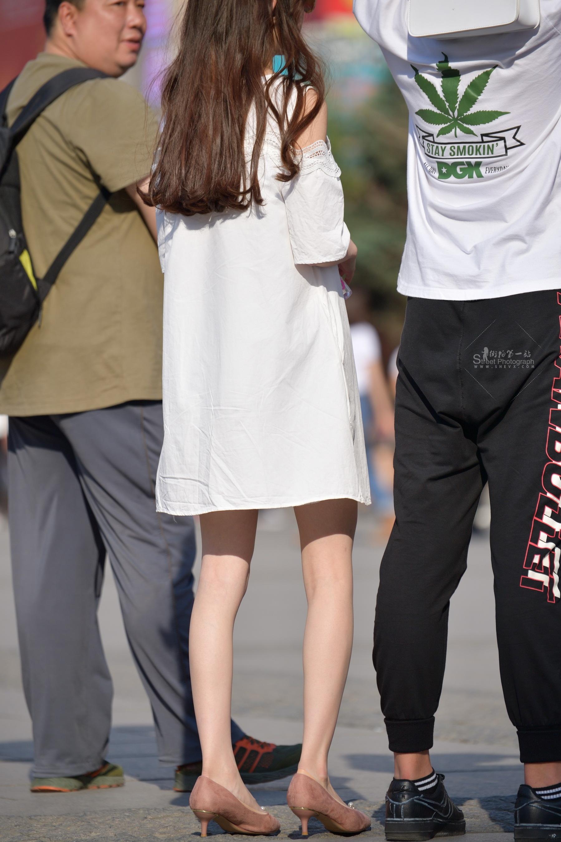 白裙 高跟太阳镜