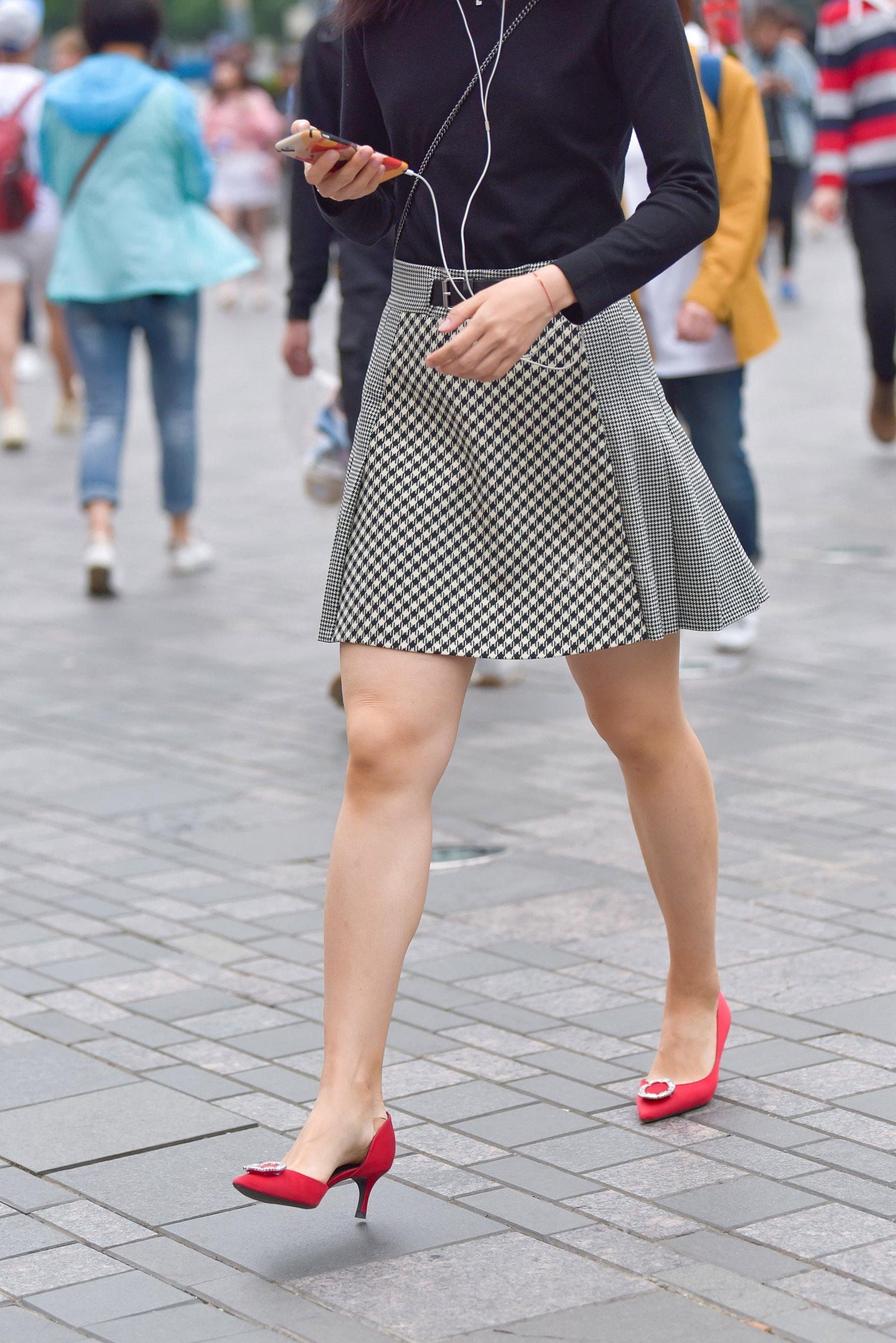 街拍高跟 丝袜 高跟Shao Fu 最新街拍丝袜图片 街拍丝袜第一站