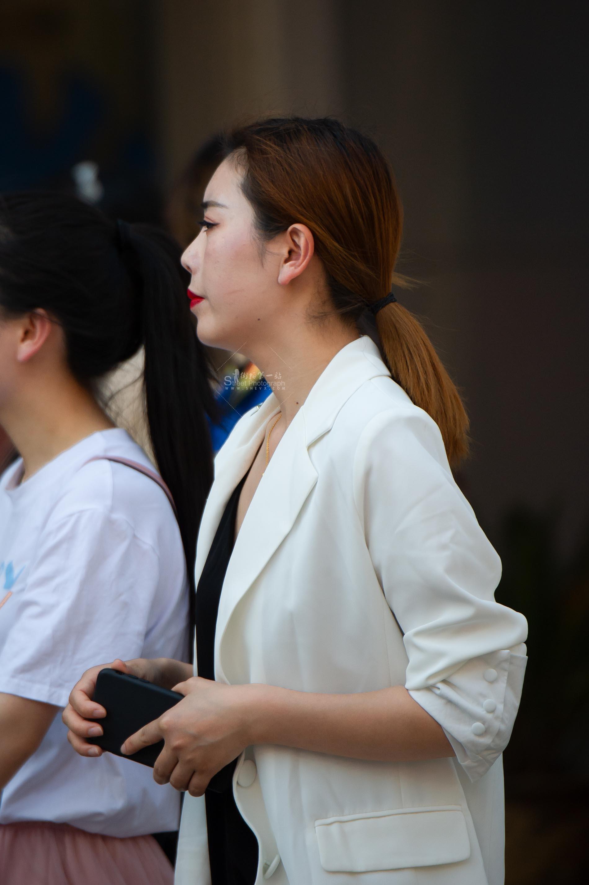 街拍美女 【原创】气质 美女一枚【10P】 最新街拍丝袜图片 街拍丝袜第一站