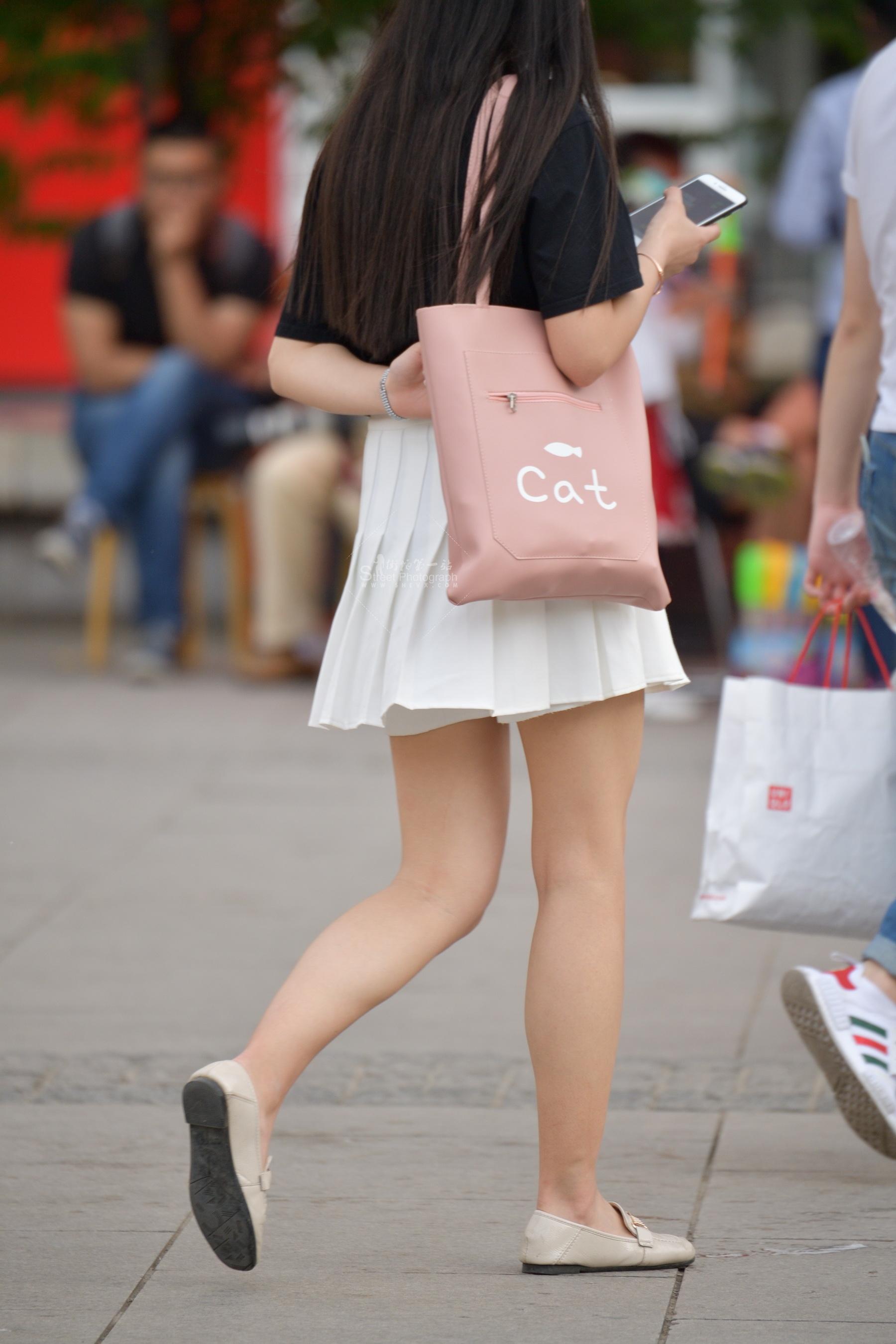 粉色平底 街拍美女图片发布 街拍丝袜第一站
