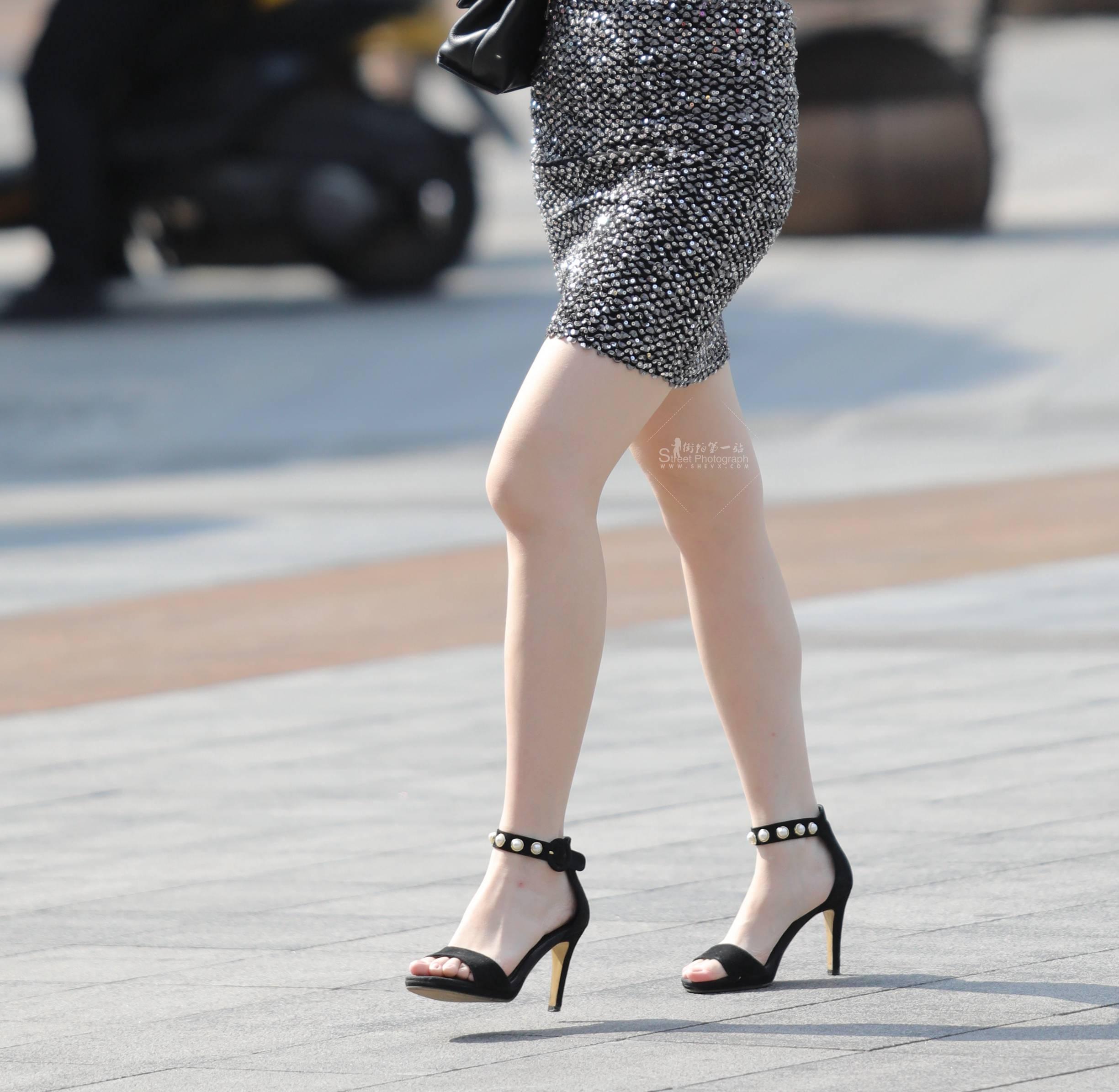 街拍包臀裙,街拍高跟,街拍包臀 【珏一笑而过】极品高跟 包臀裙 最新街拍丝袜图片 街拍丝袜第一站