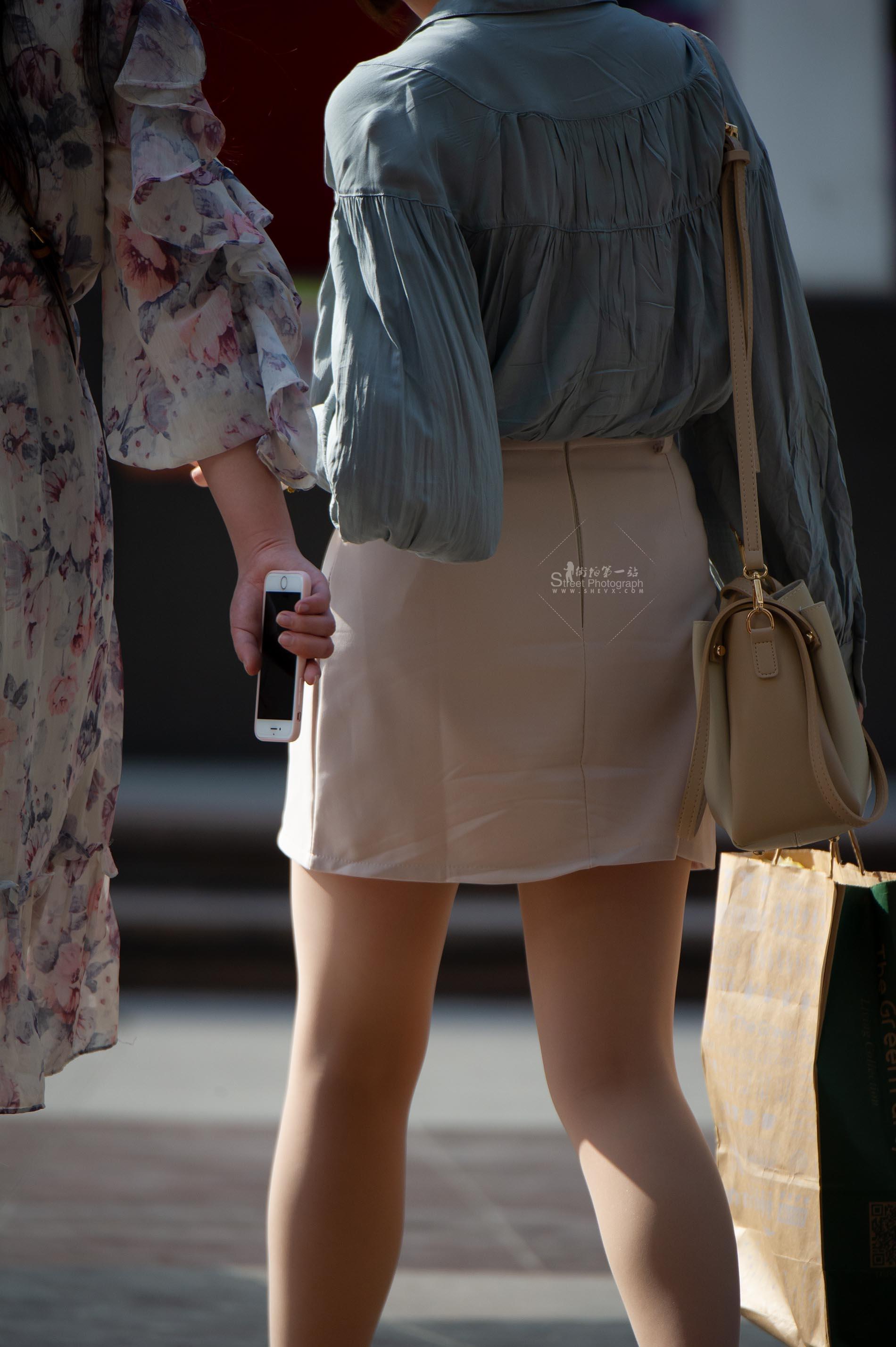 街拍丝袜 【原创】 丝袜腿很匀称,漂亮【13P】 最新街拍丝袜图片 街拍丝袜第一站