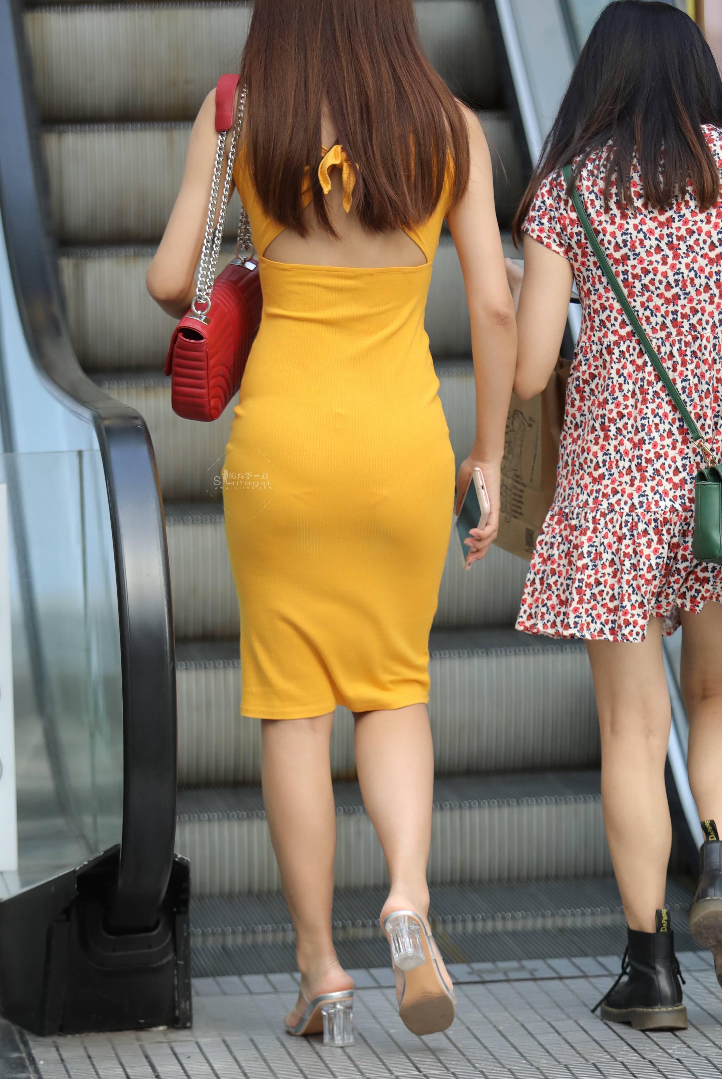 【珏一笑而过】漂亮黄裙Shao Fu 最新街拍丝袜图片 街拍丝袜第一站