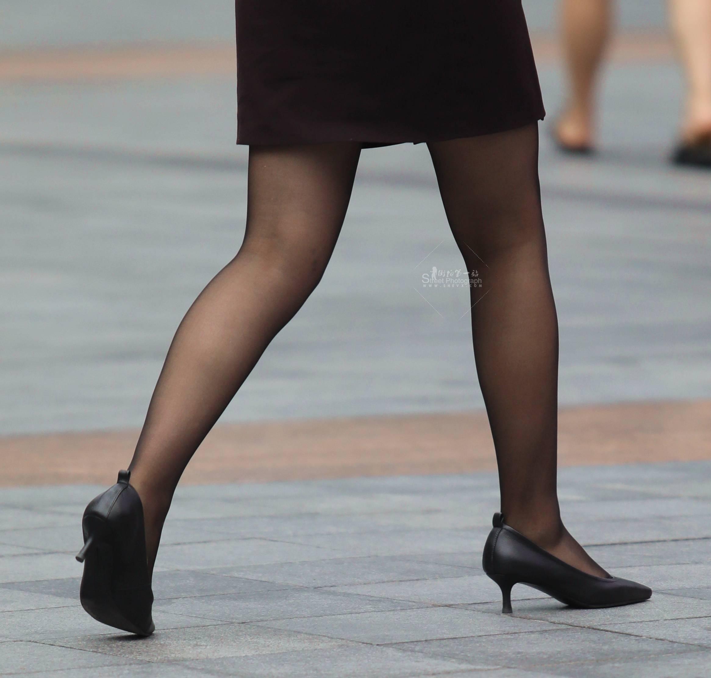 街拍黑丝高跟,街拍高跟,街拍黑丝,街拍OL 【珏一笑而过】 黑丝高跟OL 最新街拍丝袜图片 街拍丝袜第一站