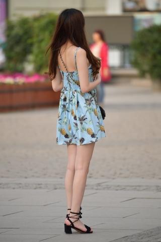 VIP街拍图片发布  街拍吊带连衣裙-8张 街拍第一站全网原创独发!