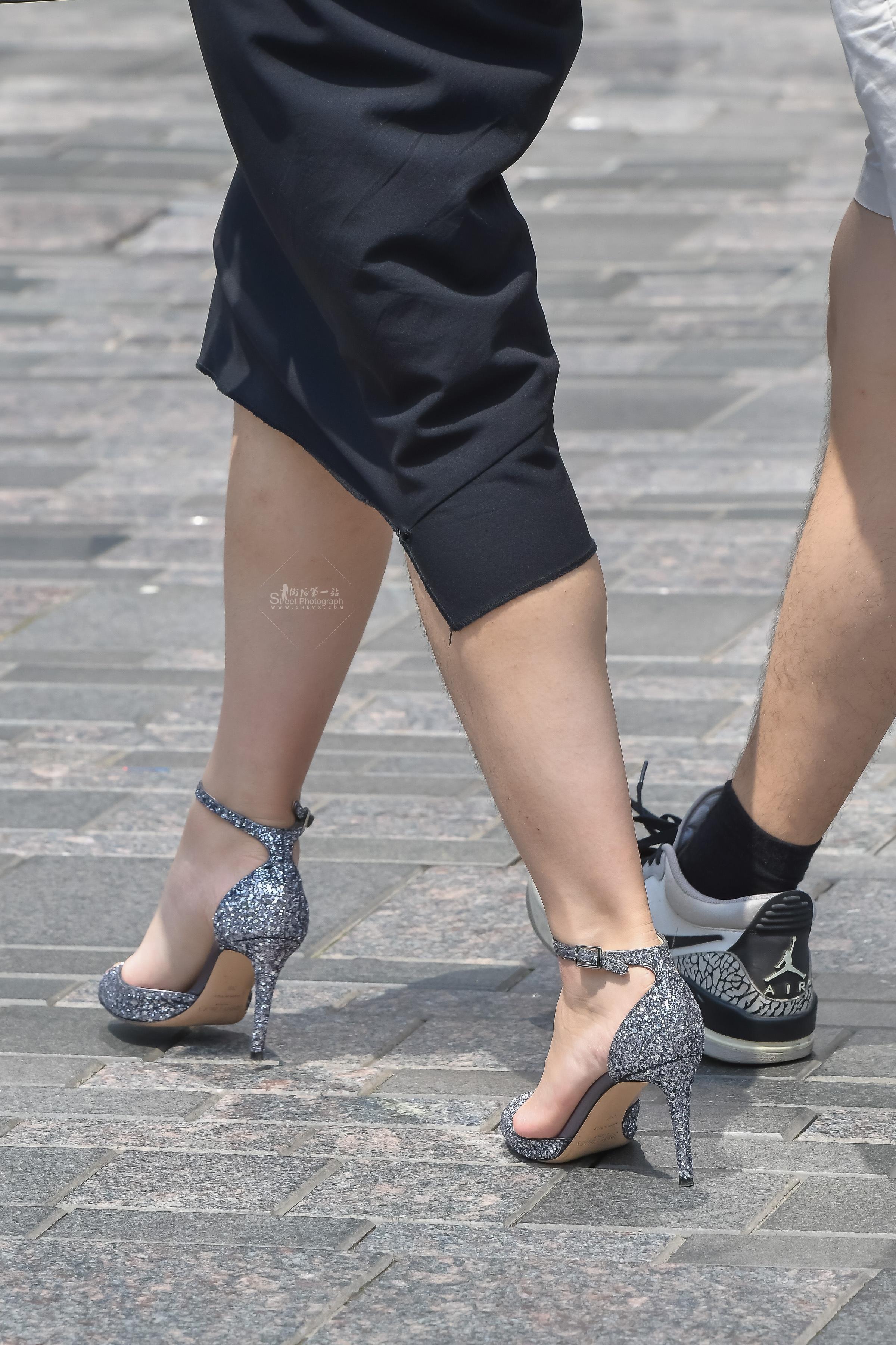 街拍高跟 一双 高跟鞋对姑娘有多重要 最新街拍丝袜图片 街拍丝袜第一站