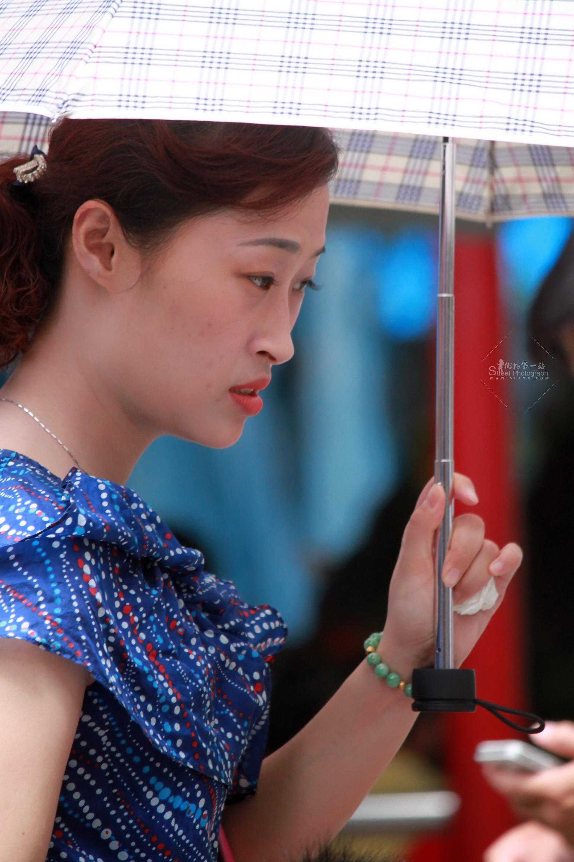 顶级美妇【12P】 最新街拍丝袜图片 街拍丝袜第一站