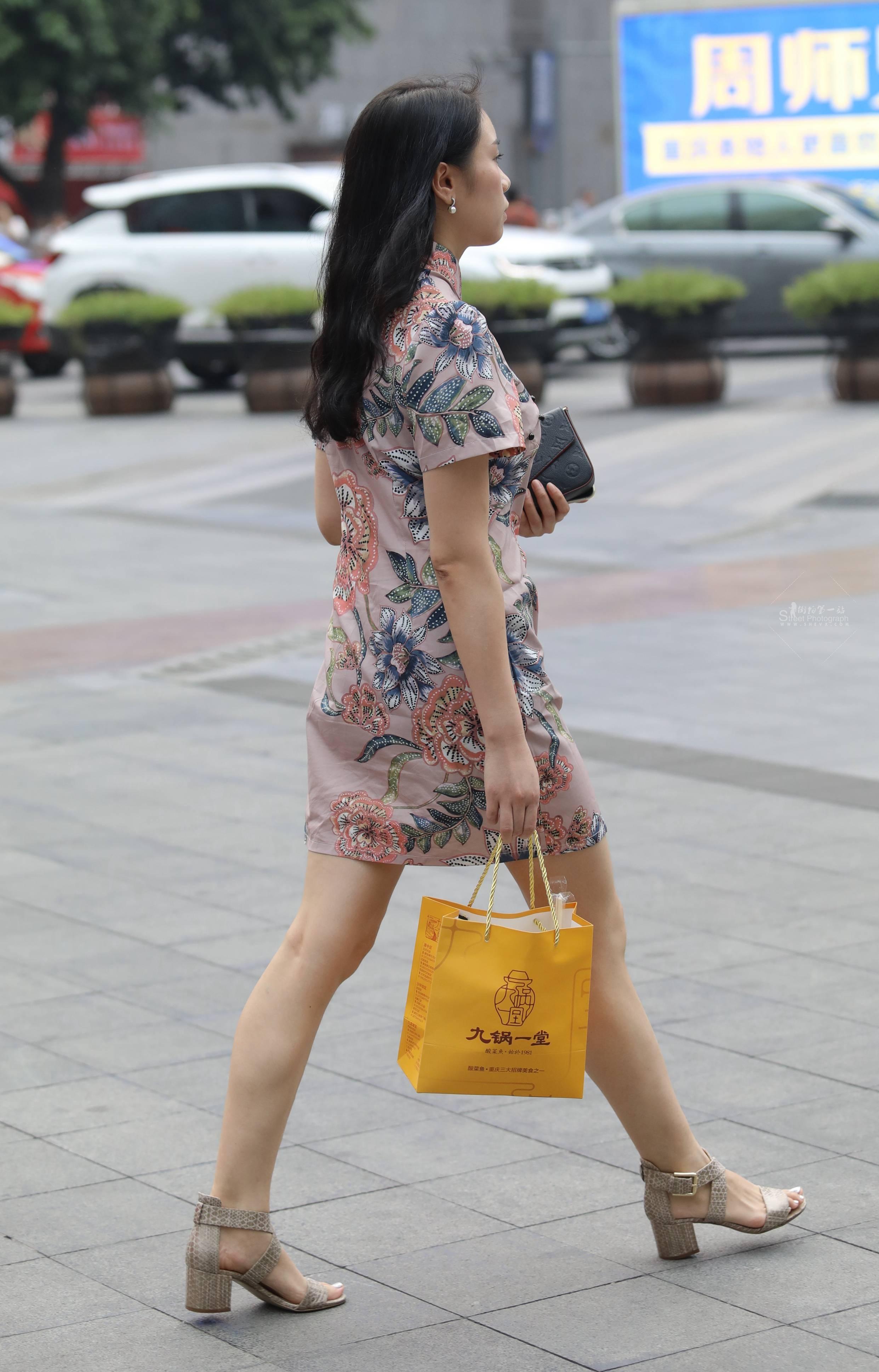 【珏一笑而过】气质旗袍Shao Fu 最新街拍丝袜图片 街拍丝袜第一站