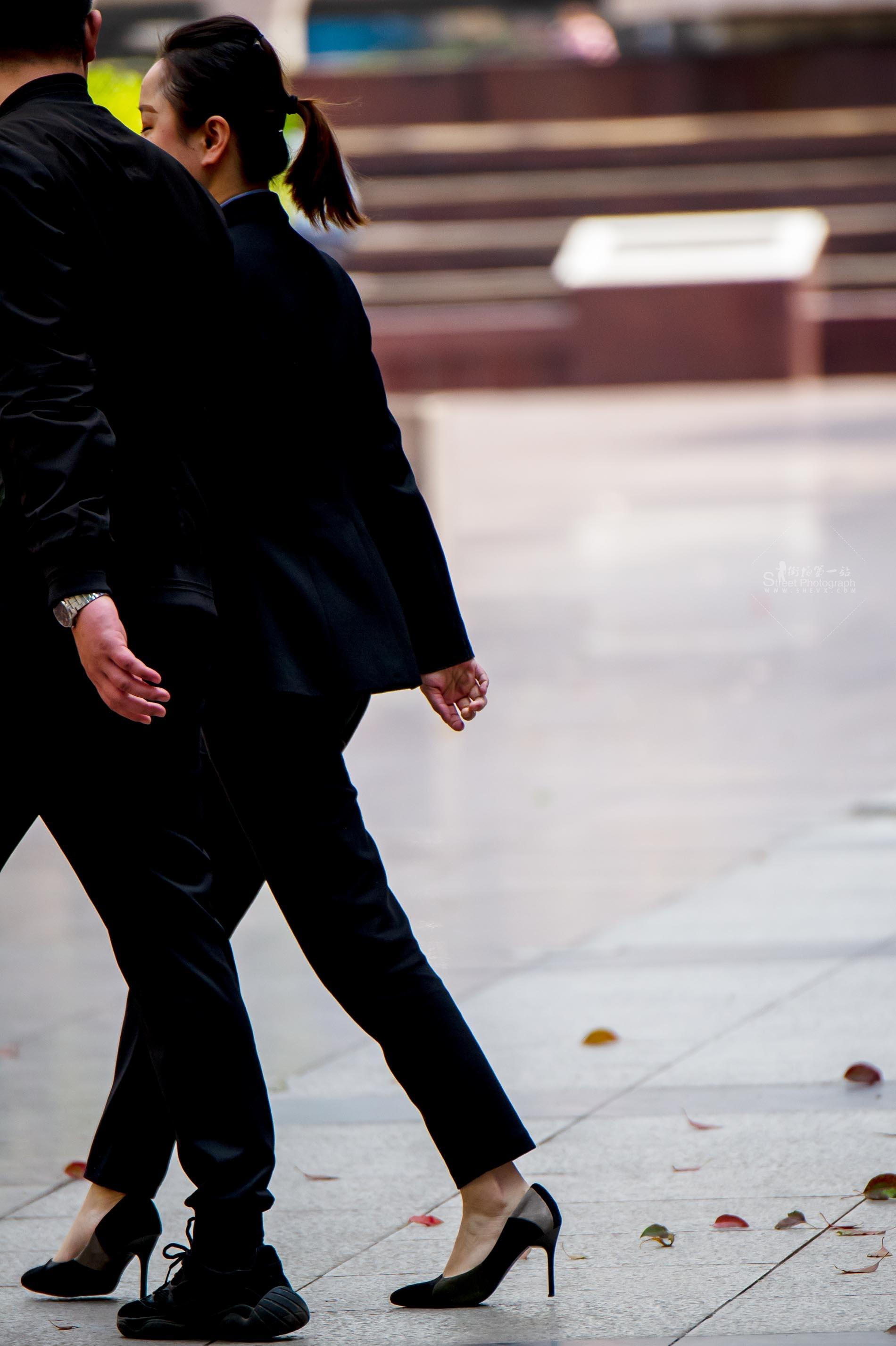 街拍OL,街拍制服,街拍细高跟,街拍高跟 【原创】 OL制服拼色细高跟【12P】 最新街拍丝袜图片 街拍丝袜第一站