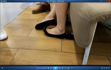 洗面奶视频  **的黑色超浅口船袜街拍美女试鞋[03:06] 街拍第一站全网原创独发!