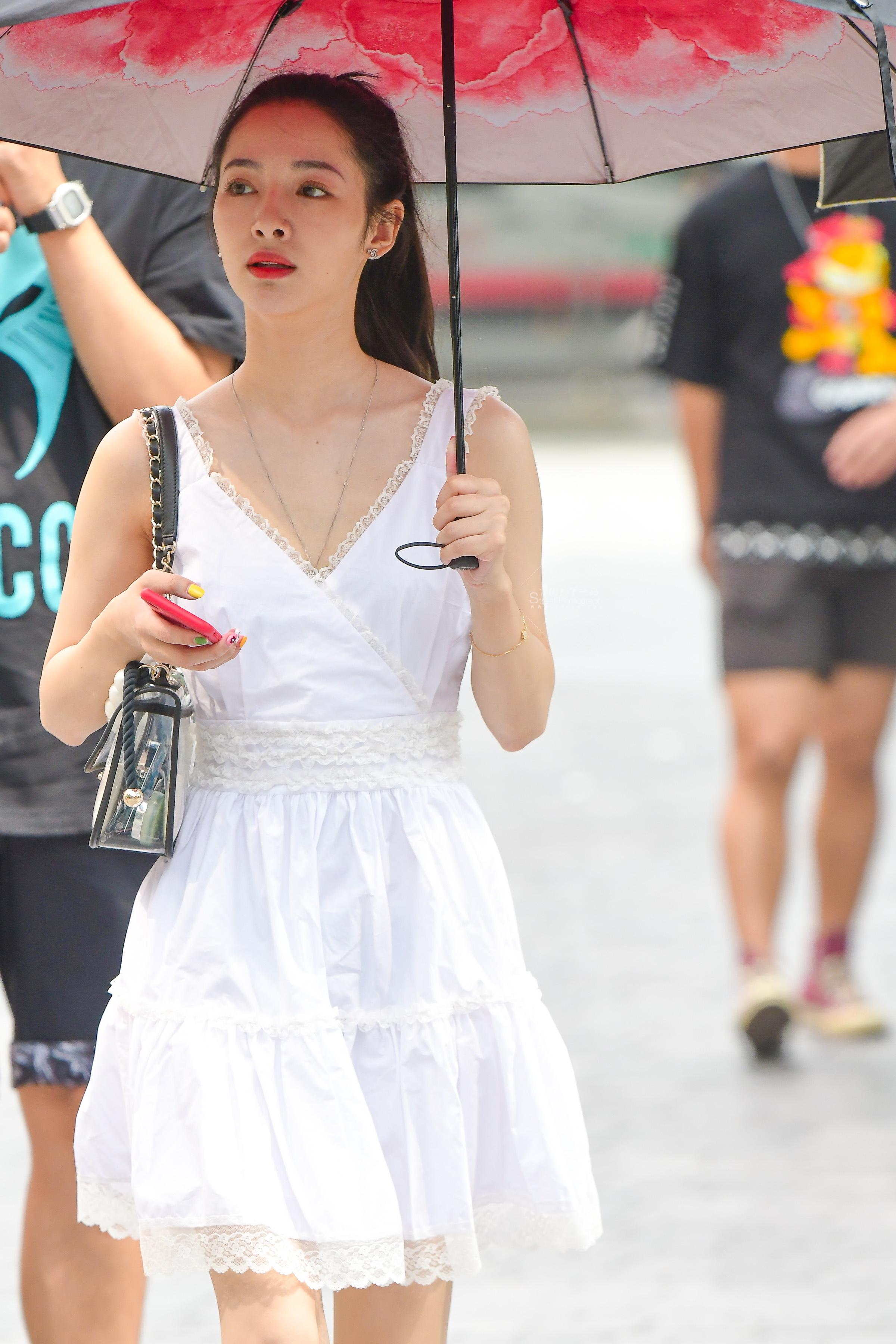 街拍高跟,街拍高跟美女,街拍美女 白裙气质 高跟美女 最新街拍丝袜图片 街拍丝袜第一站