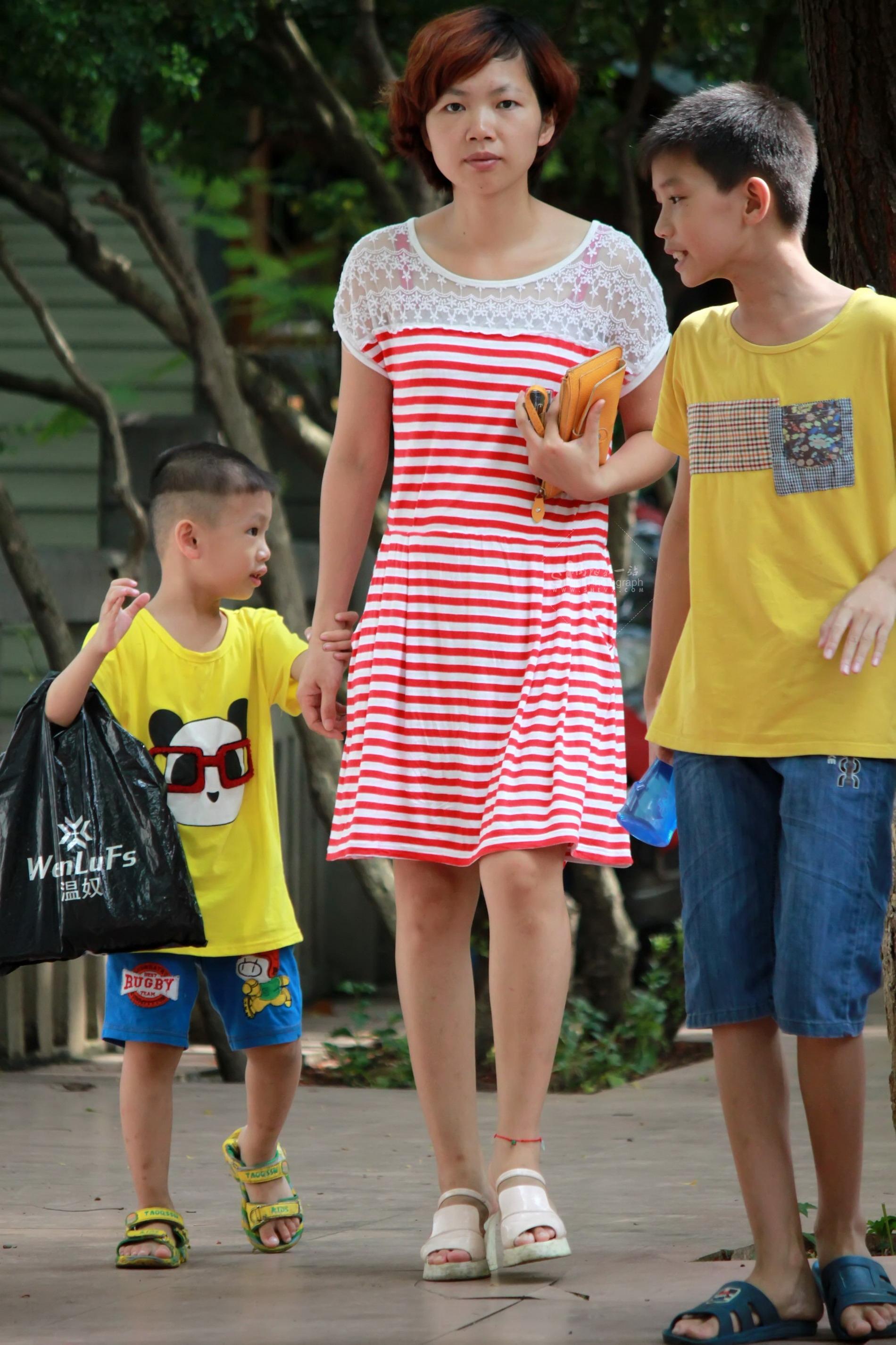 居家Shao Fu保养不错【16P】 最新街拍丝袜图片 街拍丝袜第一站