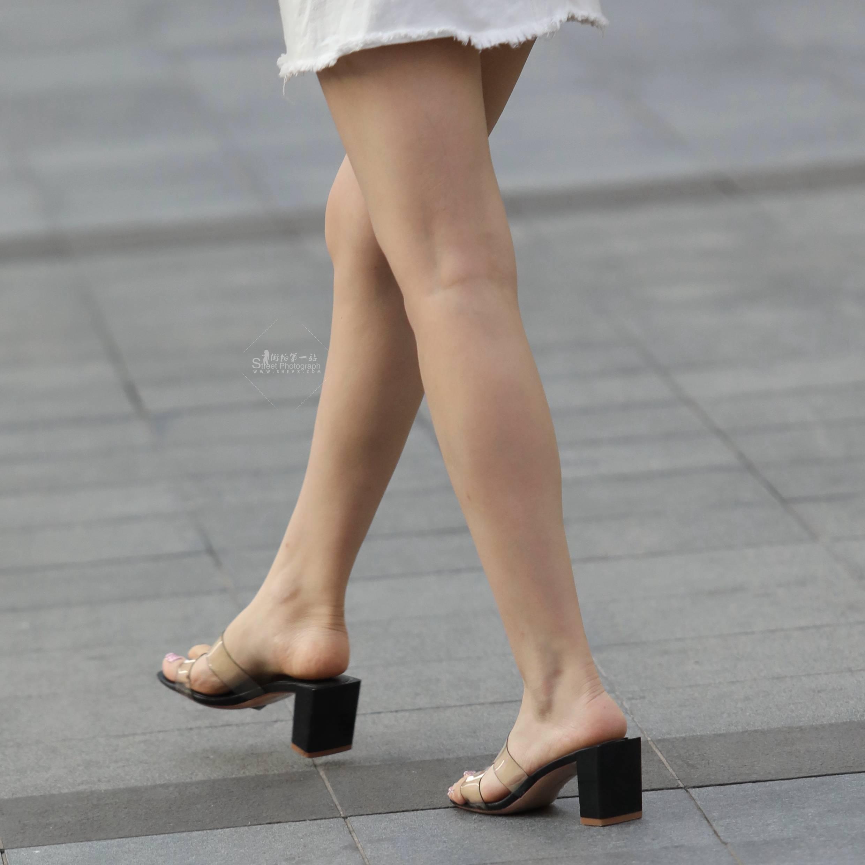 街拍短裙 【珏一笑而过】气质 短裙Shao Fu 最新街拍丝袜图片 街拍丝袜第一站