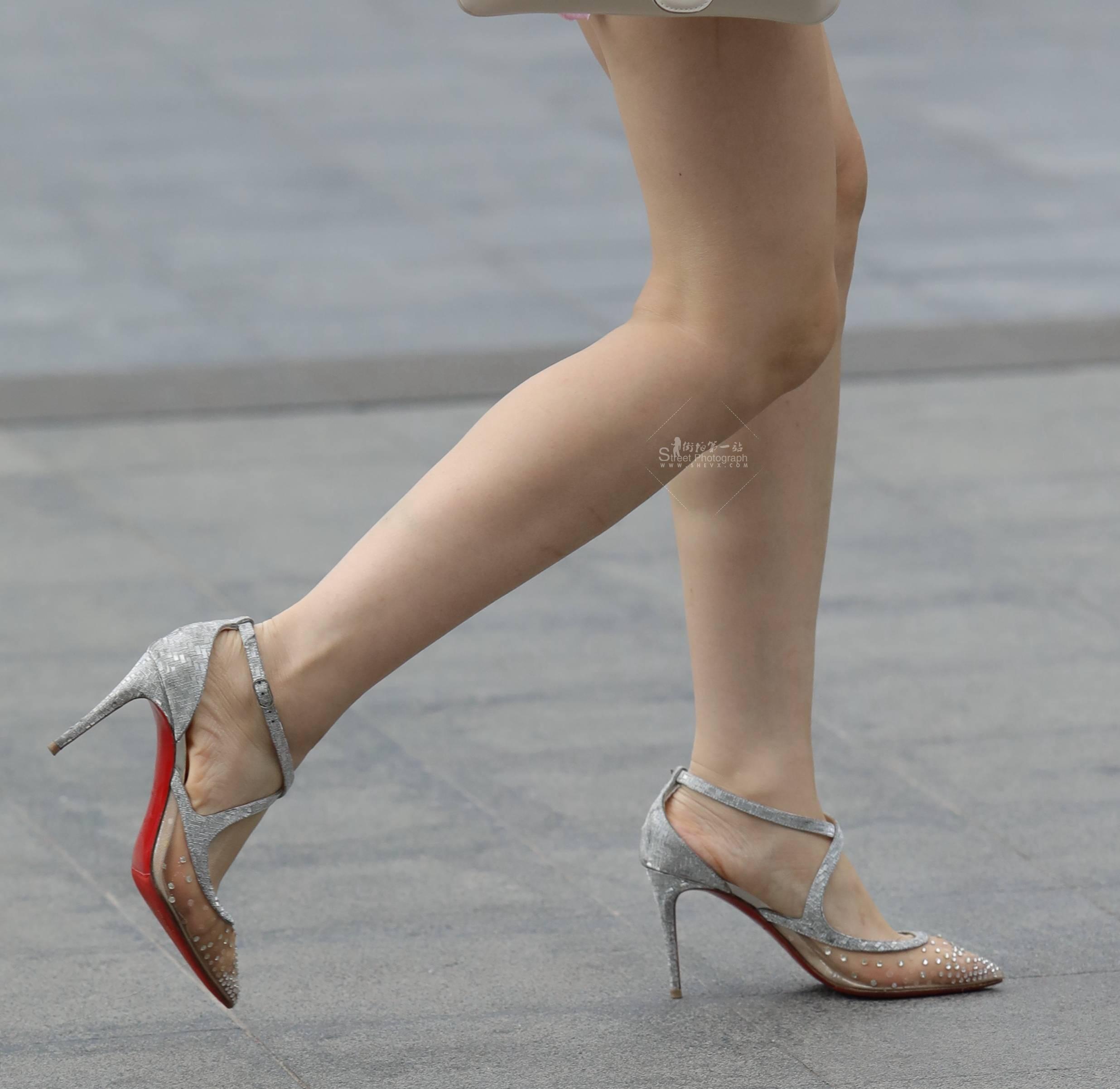 街拍高跟 【珏一笑而过】诱惑丝袜 高跟Shao Fu 最新街拍丝袜图片 街拍丝袜第一站